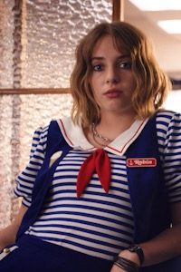 Maya Hawke as Robin Buckley.